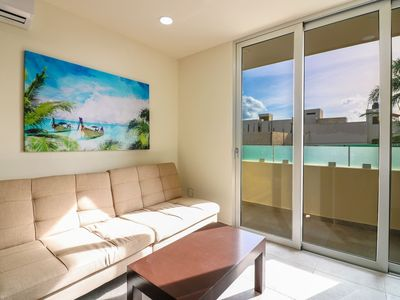 Photo for 302 Cozy 1BR Suite Great Rooftop Pool/Bar Sleep 4!