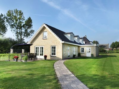 Photo for Luxurious and modern house with large garden and privacy, near Schoorl and the beach