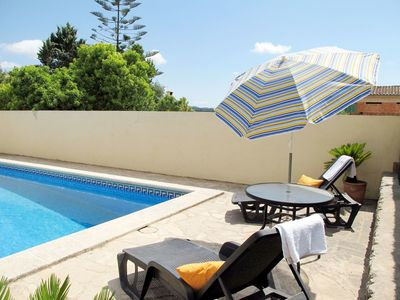 Photo for Nice apartment for 6 guests with WIFI, private pool, A/C, TV and parking