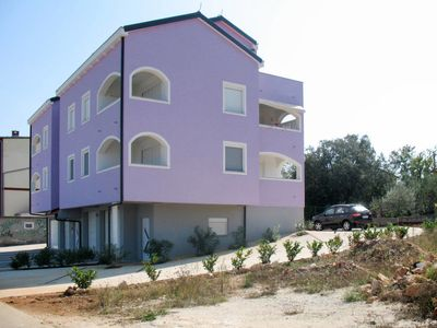 Photo for Apartment Haus Tatjana (UGL521) in Ugljan/Ugljan - 6 persons, 2 bedrooms
