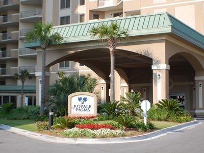 Photo for ROYALE PALMS LUXURY 3 BDRM(1 KING, 4 QUEEN)/3 BA WITH FULL HILTON POOL ACCESS