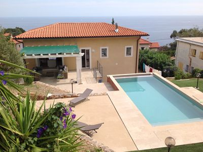 Photo for Cotes d'Azur villa with pool. Sea & mountain views. Beaches & Cannes nearby.