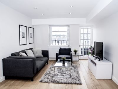 Photo for SUPERB 2beds/2baths BALCONY Apartment - Hyde Park - Zone 1 - 2 minutes from Tube