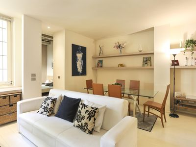 Photo for Elegant, completely renovated loft in the historic city center of Florence.