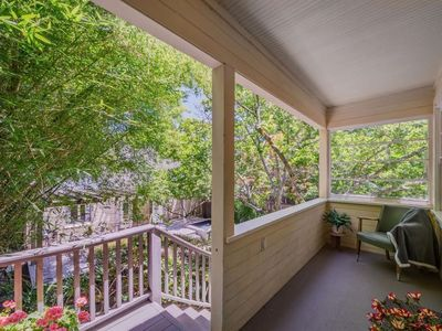 Photo for Furnished 1 bedroom 1 bath cottage that is walking distance to Downtown Napa!