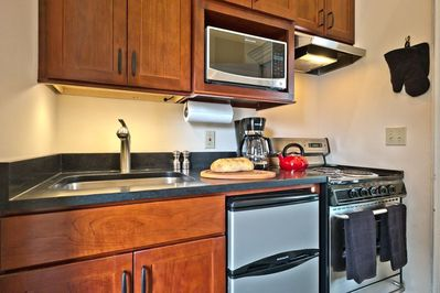You'll love this brand new well-equipped kitchen!