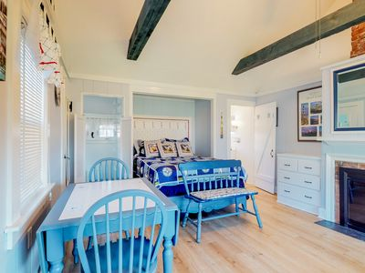 Photo for Comfortable, oceanfront cottage w/ fireplace & easy beach access!