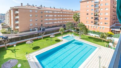 Photo for One bedroom Apartment, sleeps 4 with Pool, WiFi and Walk to Beach & Shops