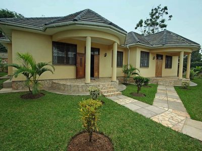 Photo for Nice Bungalow near Lake Victoria