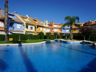 Photo for Bungalow for 7-9 pers. 150m from the beach and 1km from the center of Denia