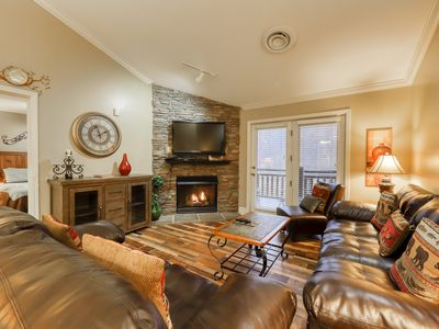 Photo for Inviting condo w/ fireplace, jetted tub & shared pool/hot tub - walk downtown!