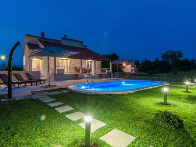 Photo for Holiday house with heated pool and table tennis