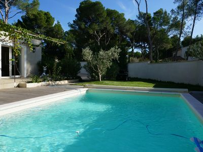 Photo for Charming house with pool in Saint-Antoine, Isle-sur-la-Sorgue, Provence