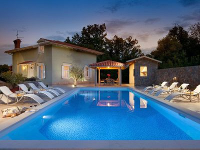 Photo for Comfortable, quiet villa with large pool, within walking distance of the beach