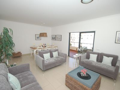 Photo for Stunning 3 bed 2 bath apartment in superb location for the very best of Lagos.