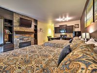 Cozy Park City Condo with ammenities