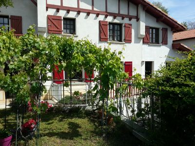 "Photo for Apartment in detached house, quiet residential area ""L'Orée du lac"""
