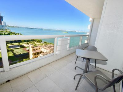 1740 Hello Gorgeous 1740 (2 Bedroom Condo)