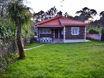 Photo for Lovely villa in a peaceful environment with direct access to the beach