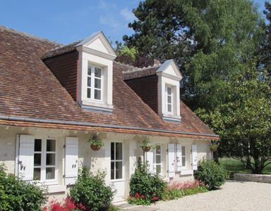 Photo for A Four Seasons/Five Stars Loire Valley Cottage, Grand Chateaux Area