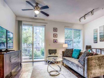 Photo for Victory Park Split Floor Plan 2BD/2BA - Perfect for Room Mates
