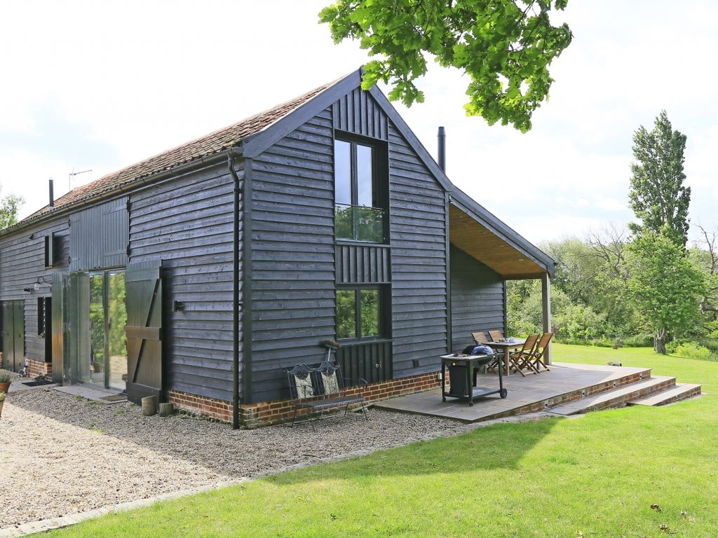 Lake farm barn three bedroom house sleep homeaway Holbrook swimming pool opening times