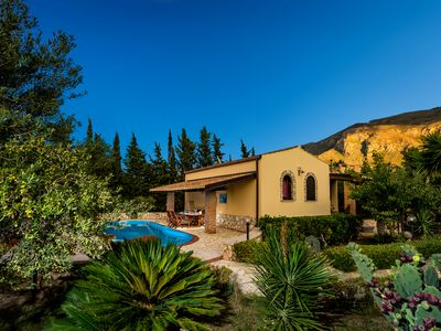 Photo for Delightful Villa Dalila in sunny S