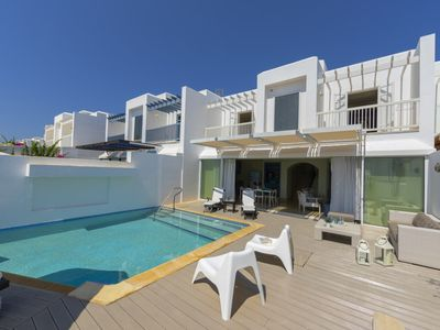 Photo for PRNV8 Villa Paros - Fig Tree Bay