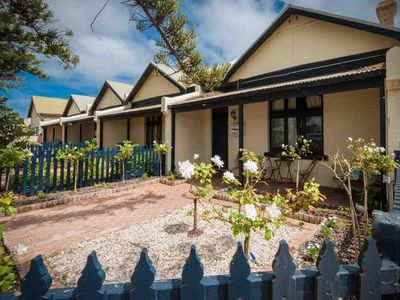 Photo for Geraldton City Stay Cottage-5 min walk to the beach & city centre