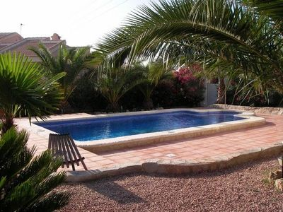 Pool (4 x 8 m) with outdoor pool