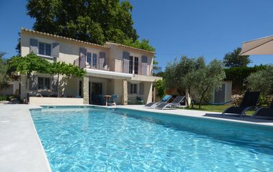 Photo for Charming provencal house, completely renovated, large garden, heated swimming pool