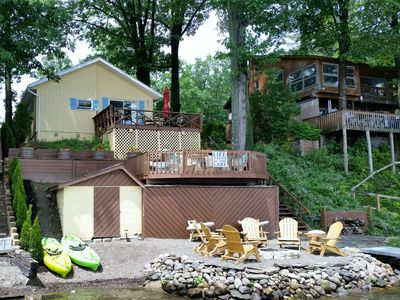 2 Decks, beach, firepit & 2 kayaks for your use plus rowboat!