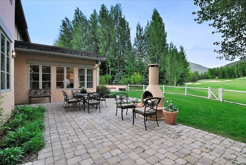 Luxury fairway road home on golf course air conditioned for Fairway house cleaning