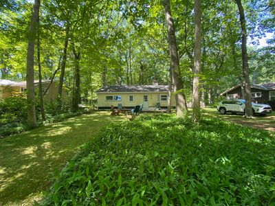 Clean and classic bungalow cottage in Southcott Pines, Grand Bend