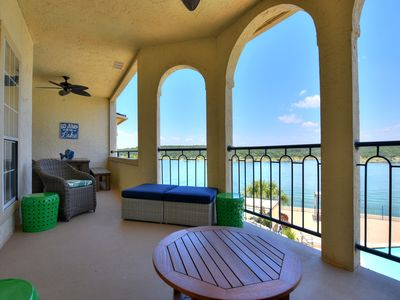 Relaxing and Lavishly Stocked Lake Retreat with Amazing Lake View!  #1223