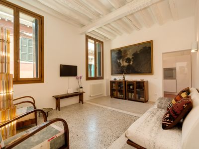 Photo for CA 'DORINA LUXURY Venetian house with canal view near San Marco