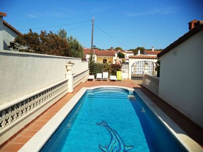 Photo for House with private pool for 6 people, L'Escala