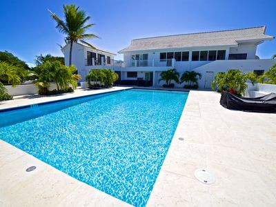Newly Renovated 5 Bedroom 5 Bath Villa Spectacular Views Ocean, Beaches close!!!