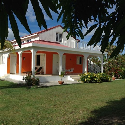 Bed & Breakfast: PEACEFUL VILLA EFY