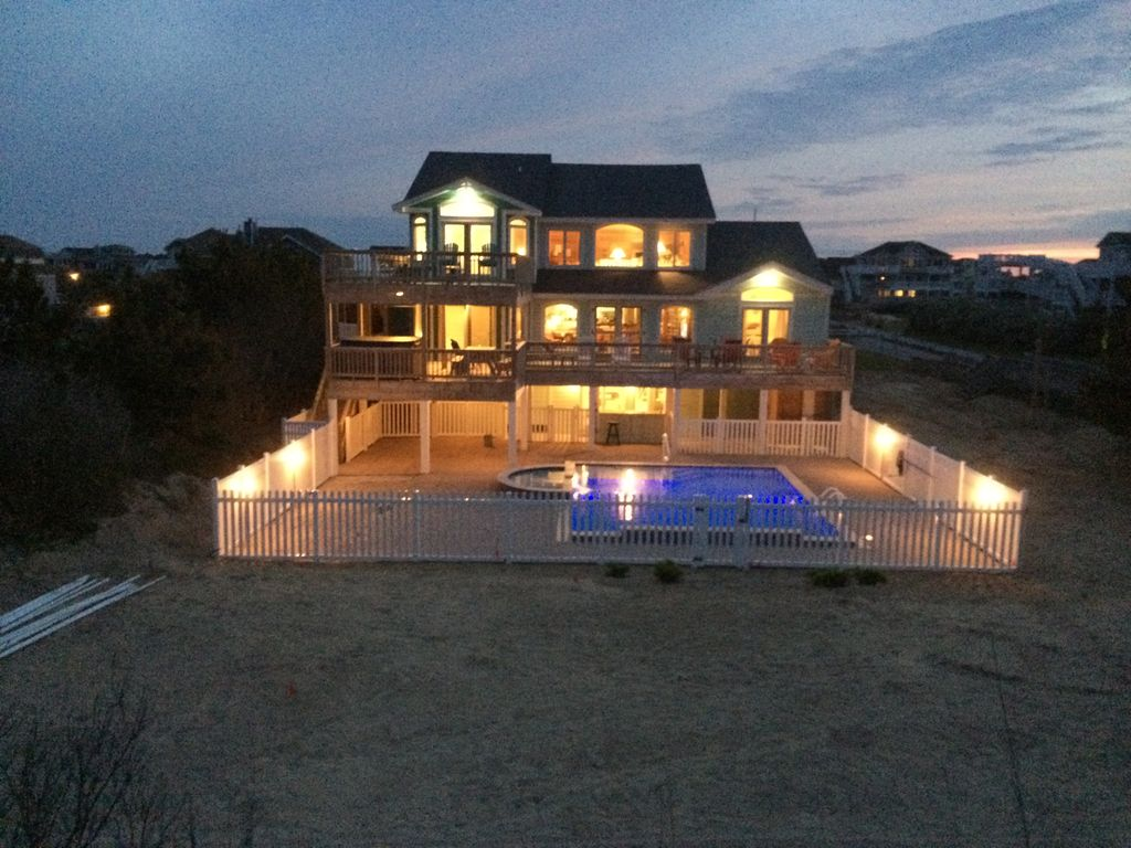 Oceanfront Great 6 Br 5 Ba W Custom Pool Kid Lg Bedrooms Share Whalehead Beach Corolla