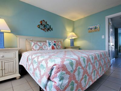 Photo for Newly Updated 1 Bedroom Oceanview Condo on the Beach Close to Everything