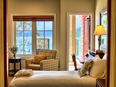 Photo for Luxurious Poets Cove Lodge Resort - Twin Bedroom