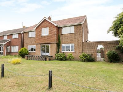Photo for FLORENCE HOUSE, pet friendly in Walton-On-The-Naze, Ref 946037