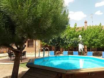 Self catering El Portón de Villanova for 8 people