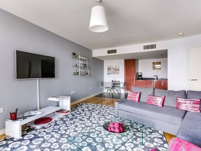 Photo for Luxury 1BR with Rooftop in South London