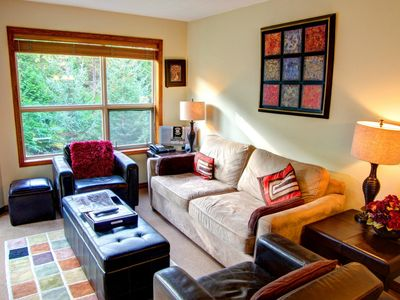 Photo for Prime Ski-in Ski-out Location! Pool, Hot tubs, BBQ, sleeps 6 (444)