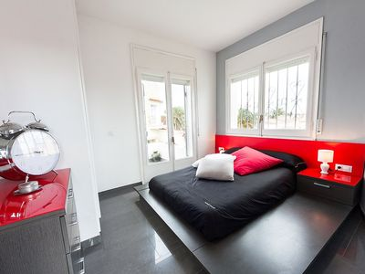 Photo for Apartment in the center of Empuriabrava with Parking, Internet, Washing machine, Air conditioning (136235)