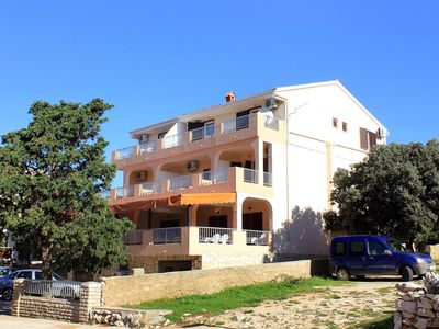 Photo for One bedroom apartment with air-conditioning Mandre (Pag)