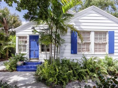 Photo for Luxurious Upscale Vacation Home with Private Pool minutes from Downtown and the Beach