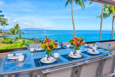 Amazing Beach and Ocean Front Views with Covered Lanai Dining Area